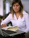 woman learning - DK00054
