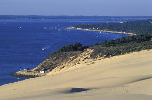 Dunes of Arcachon, near Bordeaux, France - 00720HS