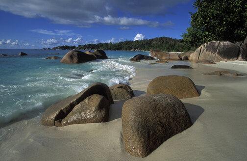 lonely beach, Anse Lazio, Seychelles - 00366HS