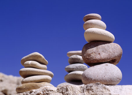 Stack of pebbles - PE00139