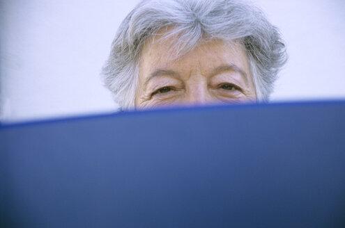 Eye of senior woman, close-up - PEF00319