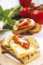 Crispbread with cheese and tomatoe - 02118CS-U