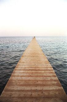 Boardwalk on sea - UKF00052