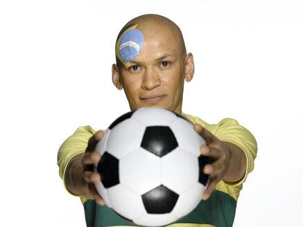 Male Brasilian soccer fan - LMF00172