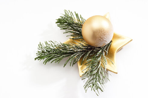 Christmas decoration with Christmas bauble and fir twigs - 09568CS-U