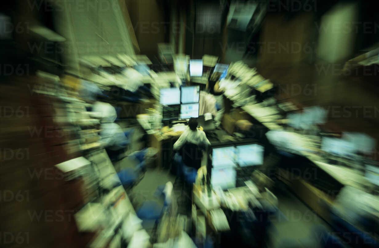 People working in stock exchange, elevated view - PEF00383 - Petrol/Westend61