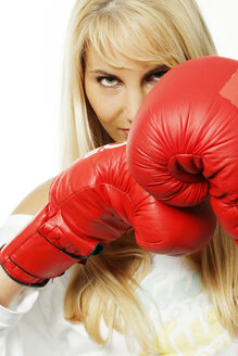 Woman with red boxing gloves - CL00014