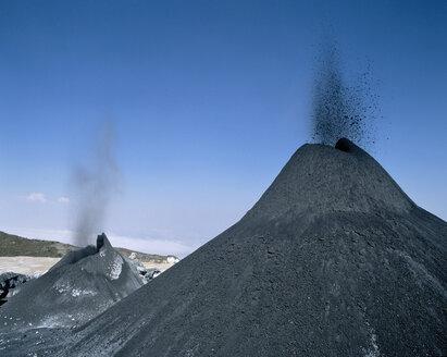 Tanzania, volcano ol doinyo Lengai - RMF00068