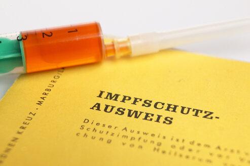 Syringe and inoculation pass, close-up - THF00076