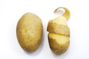 Peeled potato, elevated view - 02850CS-U
