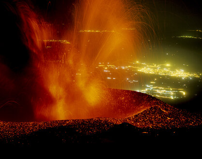 Italy, Sicily, Etna erupting with Catania in background - RM00082