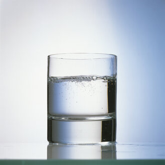 Glass of water - MB00184