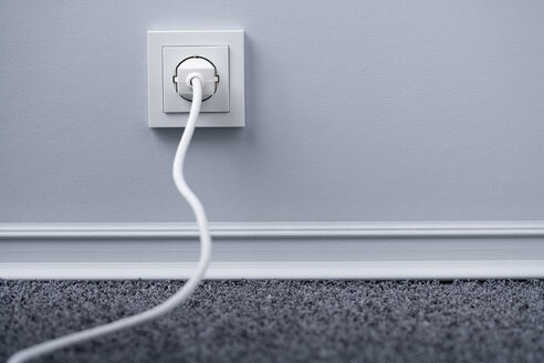 Electric plug in outlet - HOEF00054