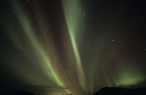 Iceland, Reykjanes, northern lights - RMF00092