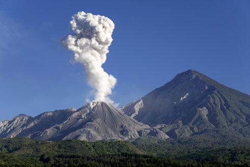 Guatemala, Santiaguito volcano - RM00099