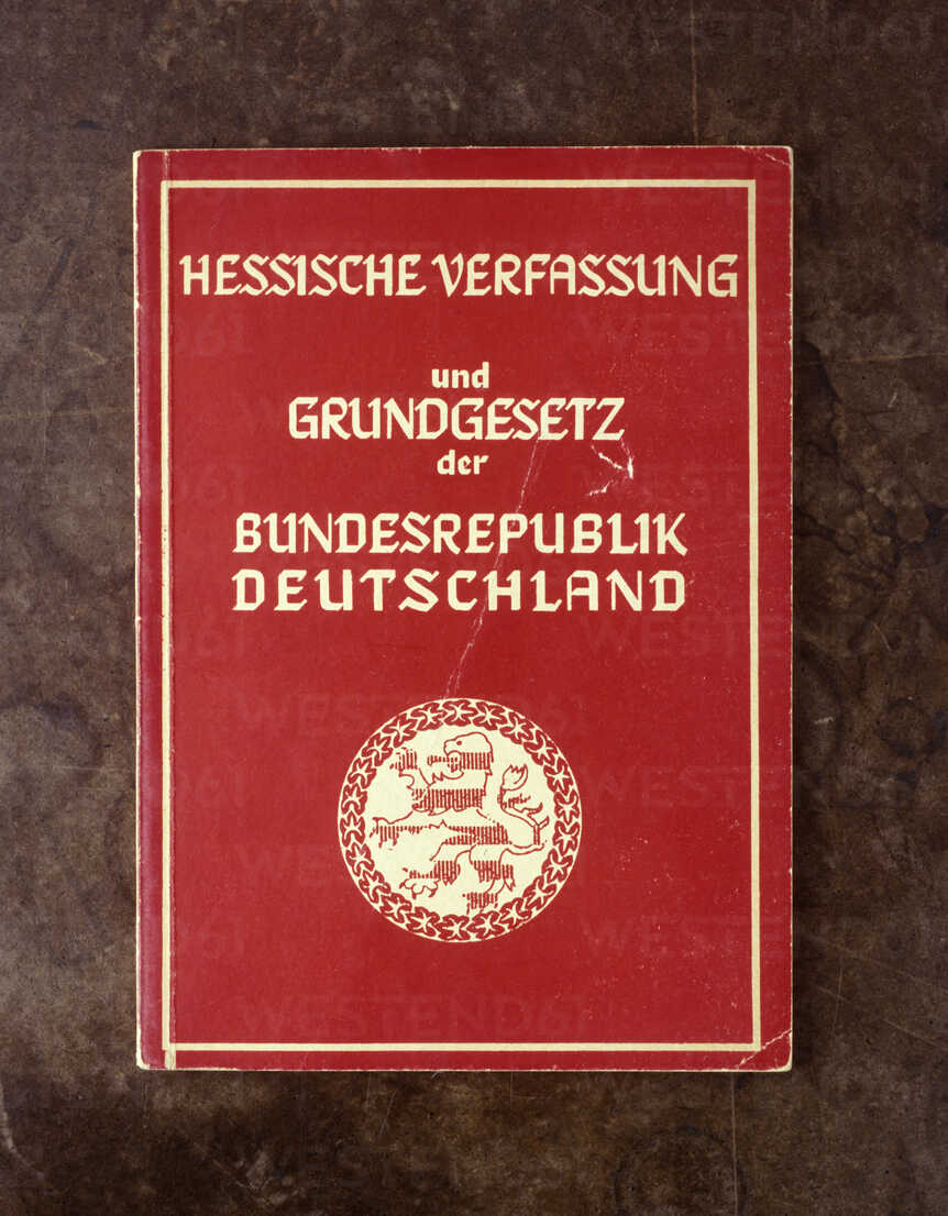 Basic constitutional law and hessian constitution - TH00246 - Tom Hoenig/Westend61
