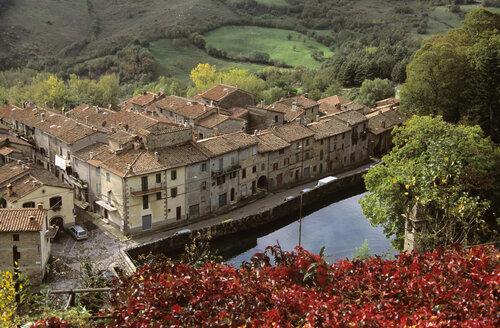 Italy, Tuscany, view to Santa Fiora - HSF00983