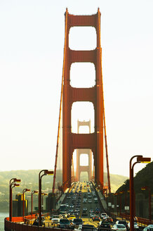 USA, California, San Francisco, traffic on Golden Gate bridge - THF00253