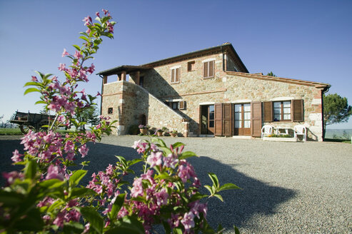 Italy, Tuscany, Country house near Siena - MR00708