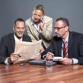Businesspeople people working in office - JLF00258