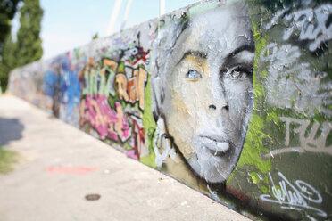 Germany, Berlin, painted wall - CHKF00190