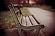 Bench in park - DW00010