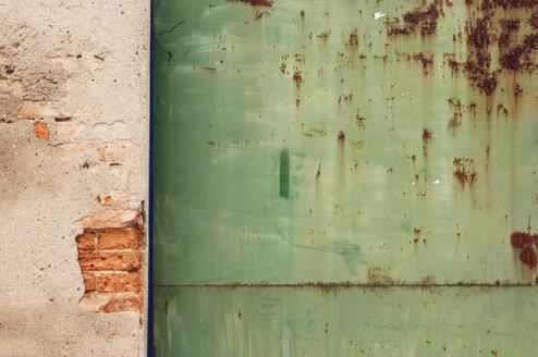 Facade and rust - 00240LR-U