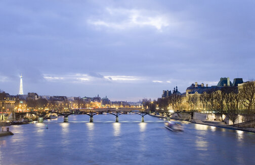 France, Paris, Seine, Pont des Arts bridge - MSF02042