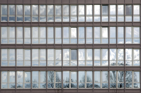 Office building, glass front, reflections - 00279LR-U