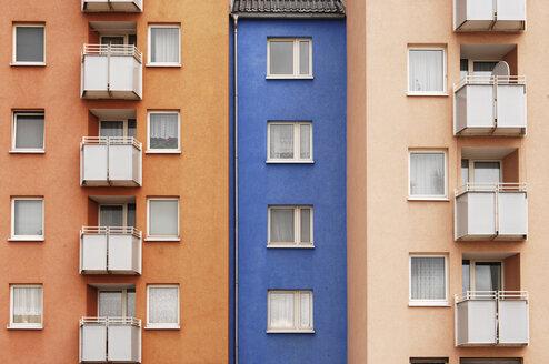 Housing estate, facade, balconies - 00276LR-U