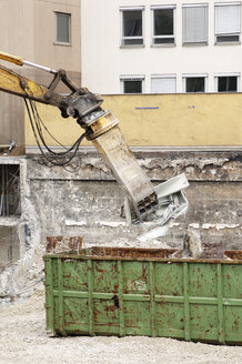 Wrecking crane and debris container - 00264LR-U