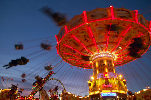 Chairoplane at night - THF00587