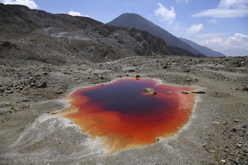 Indonesia, Mineral Lake - RM00178