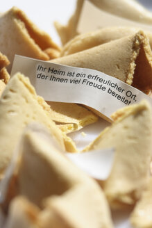 Fortune cookies, close-up - TL00203
