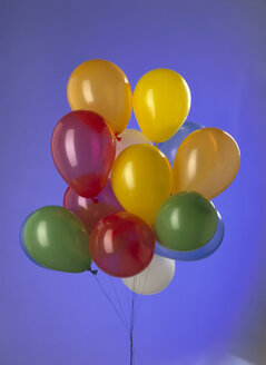 Bunch of coloured ballons, close-up - MRF00942