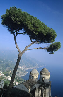 Italy, Ravello, View from Villa Rufolo - HS01010