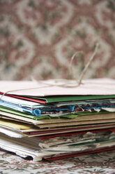 Stack of paper, close-up - TL00263