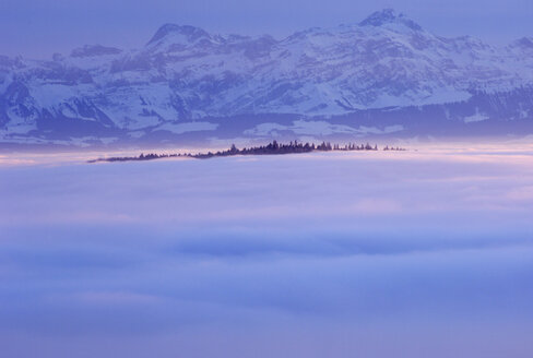 Germany, Baden-Württemberg, Deggenhausertal, Fog and mountains - SMF00302