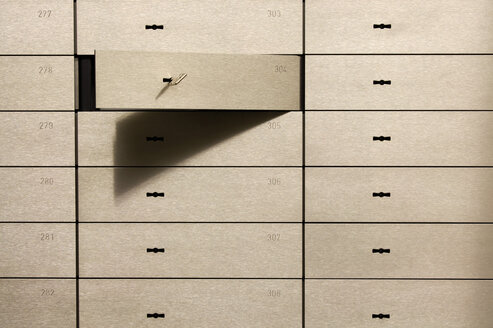 Open safety deposit box - TCF00506