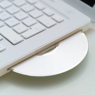 Compact disc in laptop - MU00370