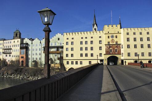 Germany, Wasserburg am Inn, Old Town with bridge - MBF00800