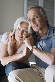 Senior couple, portrait - WESTF08245