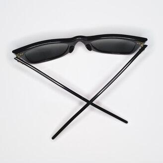 Sunglasses, elevated view - MUF00474