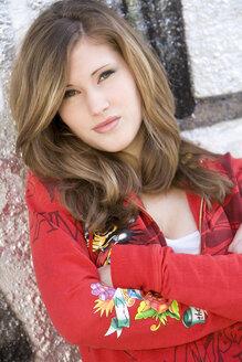 Teenage girl (17), portrait - OW00855