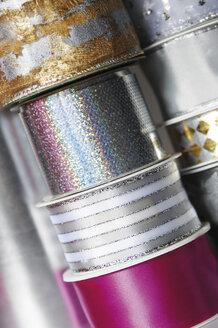Stacked ribbons, close-up - 00437LR-U