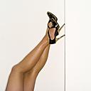 Female legs in high heels, close-up - MUF00605