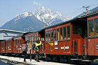 Austria, Tyrol, People on train platform - FF00909