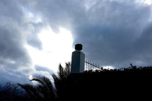 Spain, Andalucia, Garden wall - AWDF00056