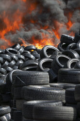 Germany, Hamburg, Burning tires - TH00791