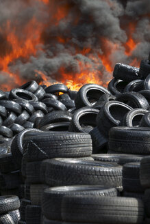 Germany, Hamburg, Burning tires - TH00791